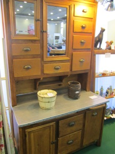 Pollikers Antiques -Cupboard